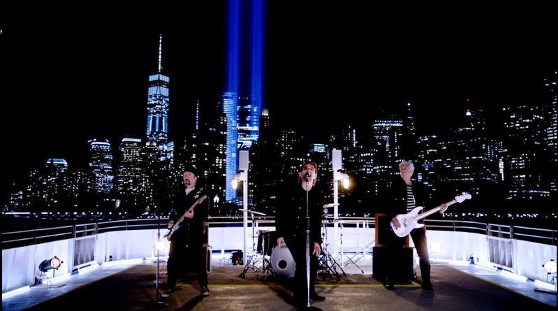 英國搖滾樂團U2的單曲MV《You're The Best Thing About Me》由丹尼擔任剪輯師。 ( 丹尼塔爾提供)