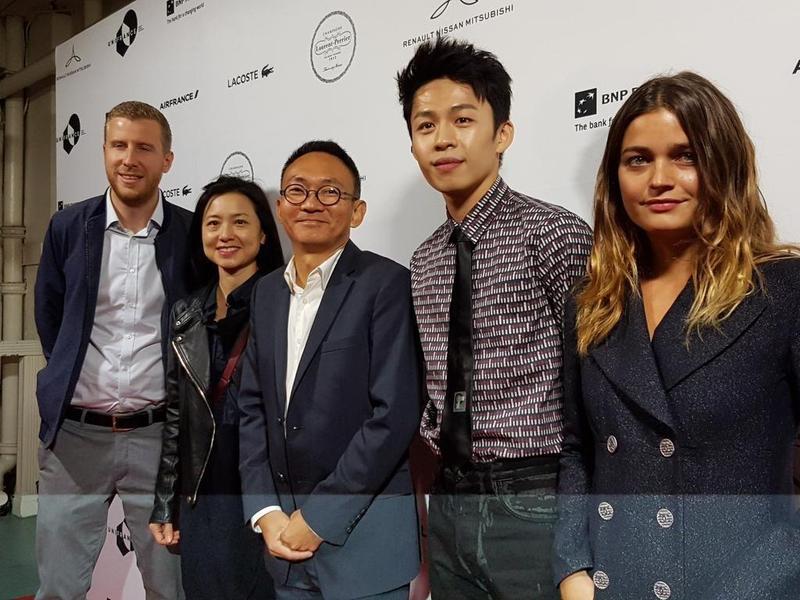 監製Alexis Perrin(左起)、劉詠怡、導演何蔚庭、演員李鴻其、Louise Grinberg出席多倫多影展。(何蔚庭提供)