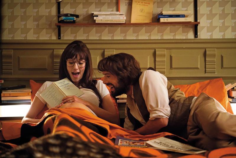電影情節雖不算新鮮,但從男女主角的互動將日常瑣事變得熱鬧有趣。雖是簡單的愛情喜劇,卻有迷人親密感。(海鵬提供)