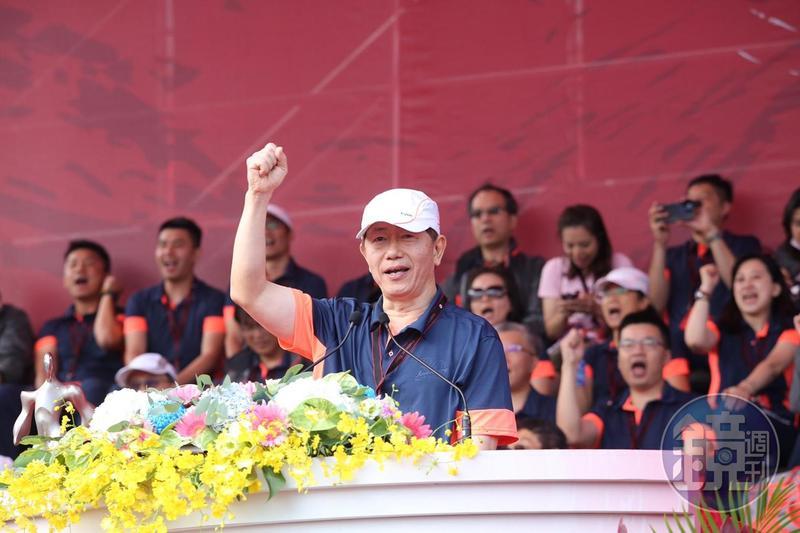 台積電董事長劉德音宣布送出4.68億元的小禮物給員工。