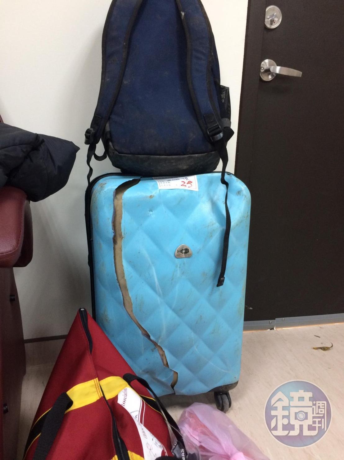 罹難學生曾答應要親手送母親禮物,如今僅剩冰冷大體和破碎行李箱。