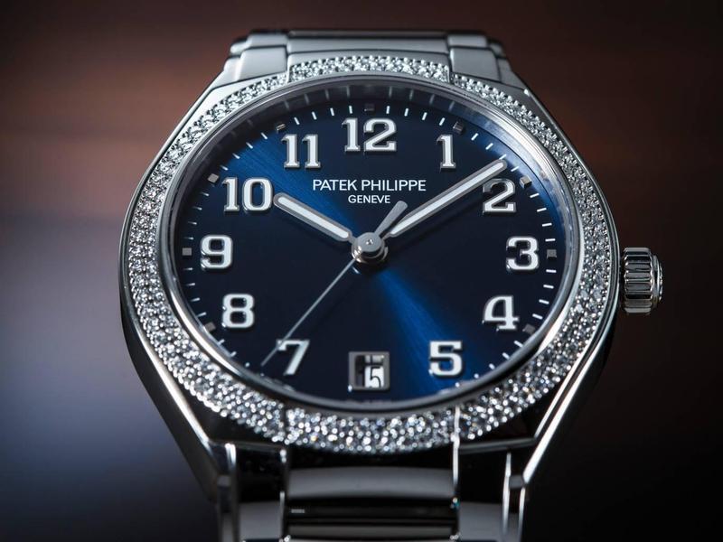 德國建築大師密斯凡德羅說:「少即是多。」設計師們大多同意:「極簡主義最難設計。」 所以,當我們看到一款簡單的錶,可不要先入為主就看輕人家。百達翡麗日前在義大利米蘭發表全新女錶Twenty~4 Automatic向我們示範了,何謂「愈簡單的愈不簡單」。