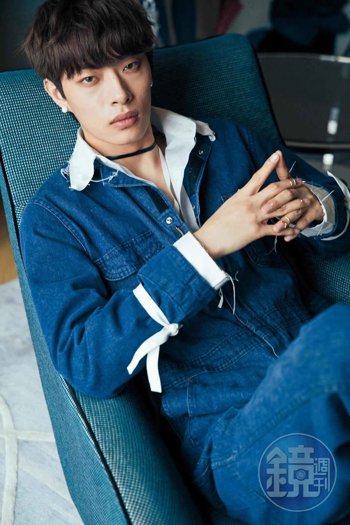 木子洋23歲才開始拉筋、練舞,因個性使然,全悶在心裡不說苦。 木子洋(24歲),身高:188公分,學歷:北京服裝學院