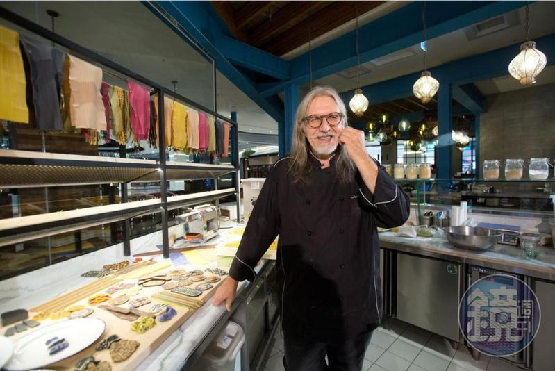 義大利籍主廚Antonio Tommasi大膽創新又充滿想像,讓他贏得「廚房裡的達文西」的稱號。