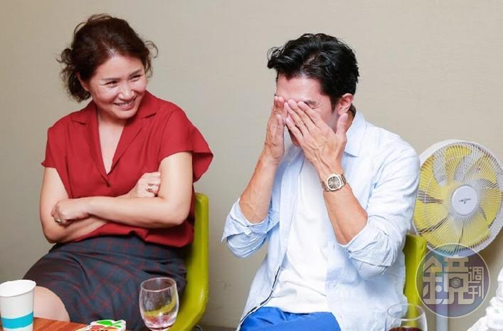 徐譽庭(左)說《誰先愛上他的》是她聽到的真實故事,並非取材國外作品,圖右為該片男主角邱澤。(本刊資料照)