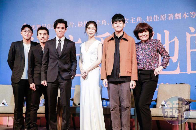 導演許智彥(左起)、陳如山、邱澤、謝盈萱、黃聖球(金馬獎最佳新演員入圍)、導演徐譽庭。