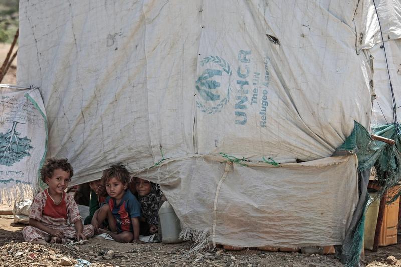 葉門內戰不斷,近日更因為荷台達港口遭攻擊導致援助中斷,迫使國內飢荒將陷入前所未有的危機。(東方IC)