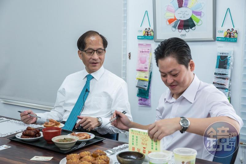 張豐聯與張德成父子午休也會一起用餐,偶爾還會相約去夜店喝點小酒。