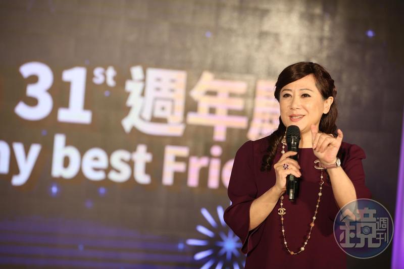 遠東SOGO董事長黃晴雯25日出席週年慶記者會,預估全台7店在這次檔期業界可以達到108億元。