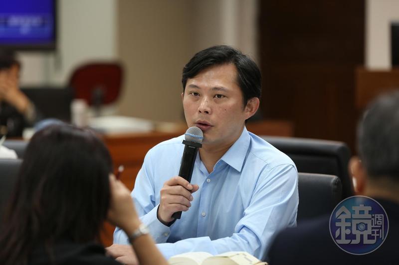 時代力量立委黃國昌在臉書再度開砲,揭穿台鐵扯謊真相。