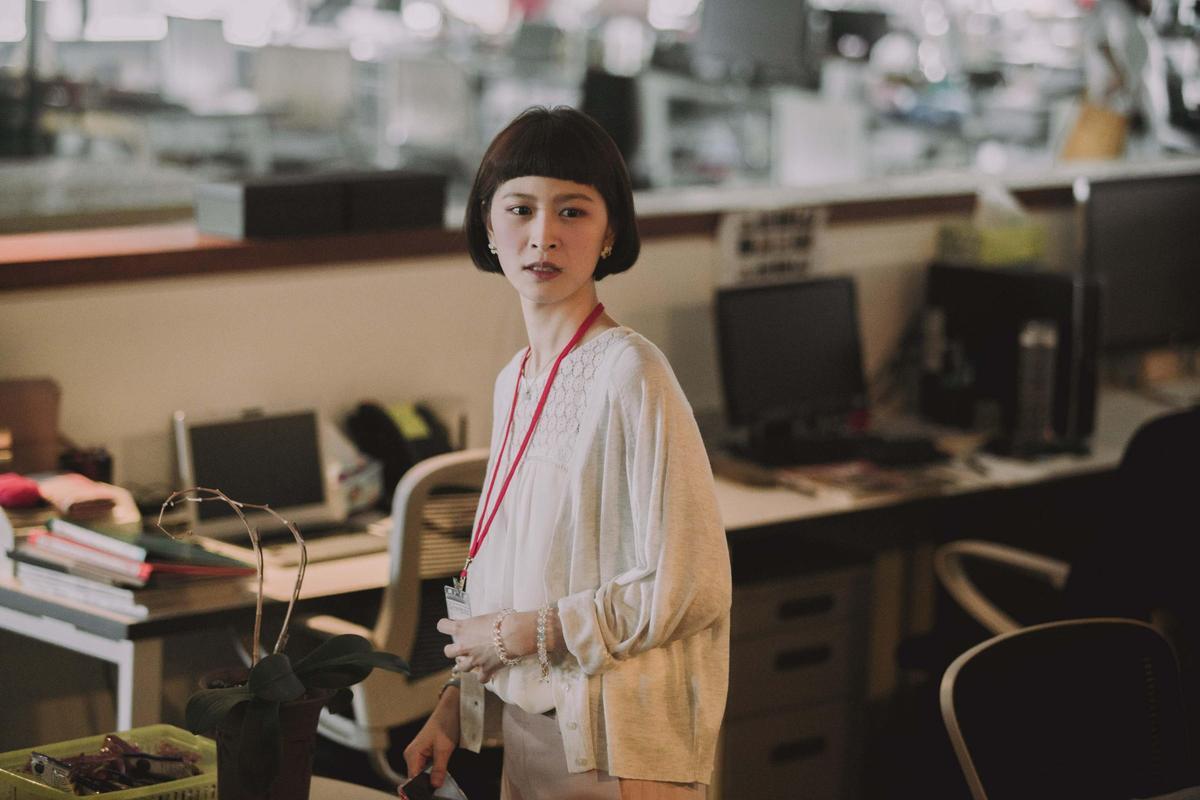 江沂宸飾演《20之後》張品妤,到出版社當助理。(公視提供)