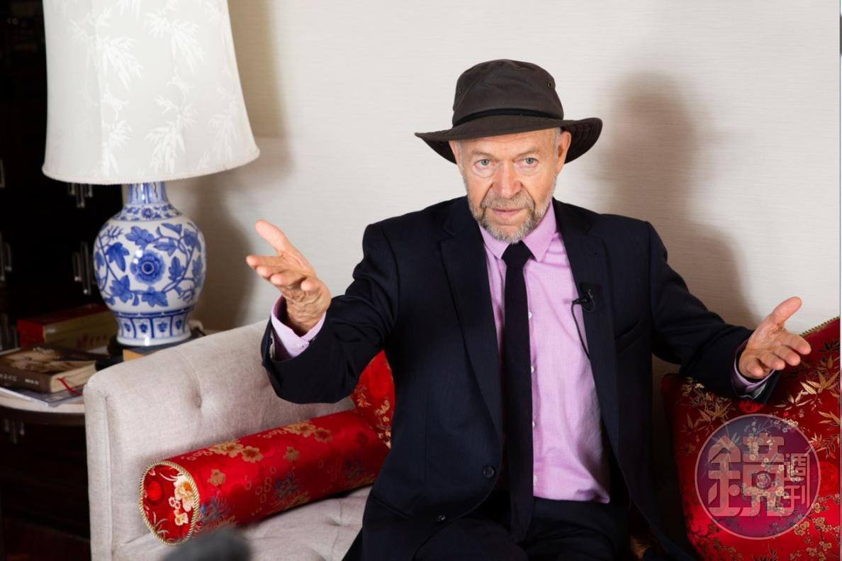 高齡77的漢森依然老驥伏櫪,決心把全球暖化的危險向大眾說清楚講明白。
