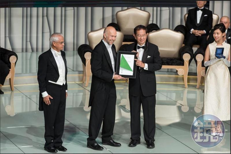 今年唐獎永續發展獎項其中一位得主詹姆士‧漢森(James Hansen,中)是全球公認氣候變遷科學的先驅者。
