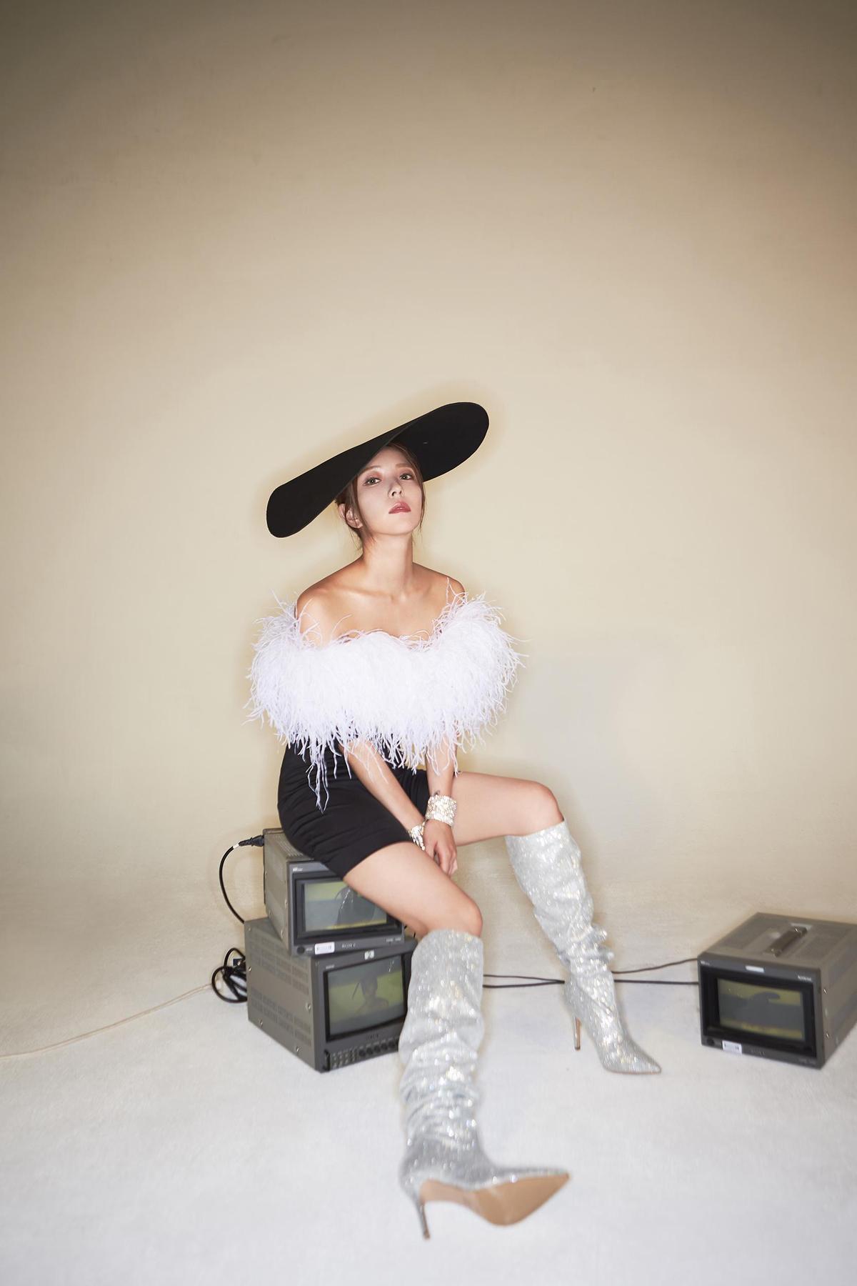 韓國天后BoA寶兒出道18年、第9張新專輯《WOMAN》展現女子力。(avex taiwan提供)