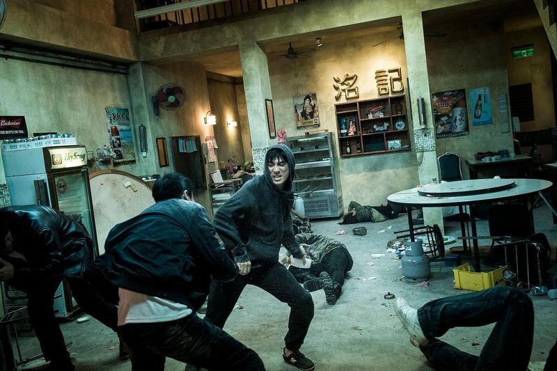 《狂徒》呈現趣味式的打架動作場面,有點像早期成龍、洪金寶的動作片。(貴金影業提供)