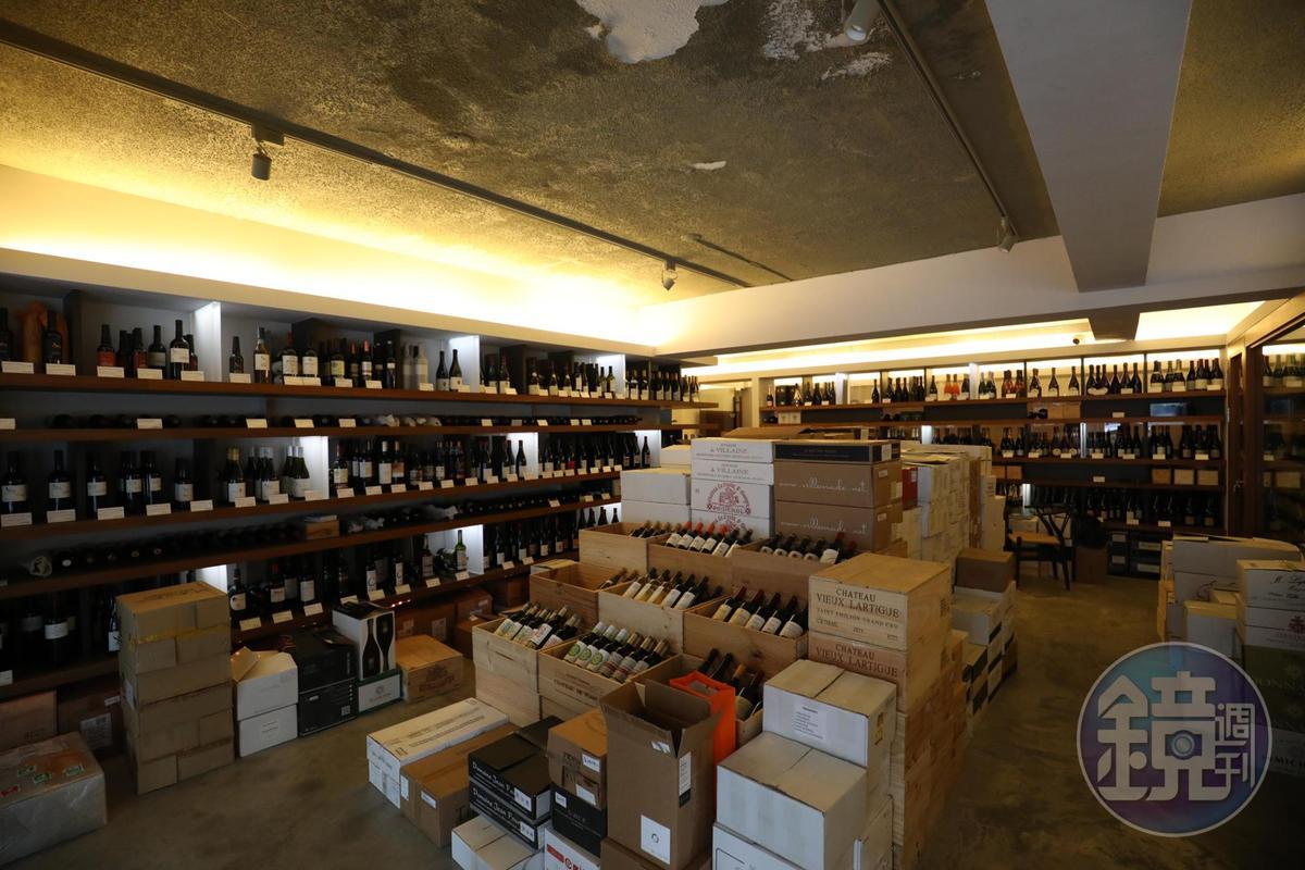 自然酒風潮在台灣百花齊放,圖為「維納瑞」葡萄酒專賣店暖身響應自然酒展,陸續在店內舉辦自然酒品嘗活動。