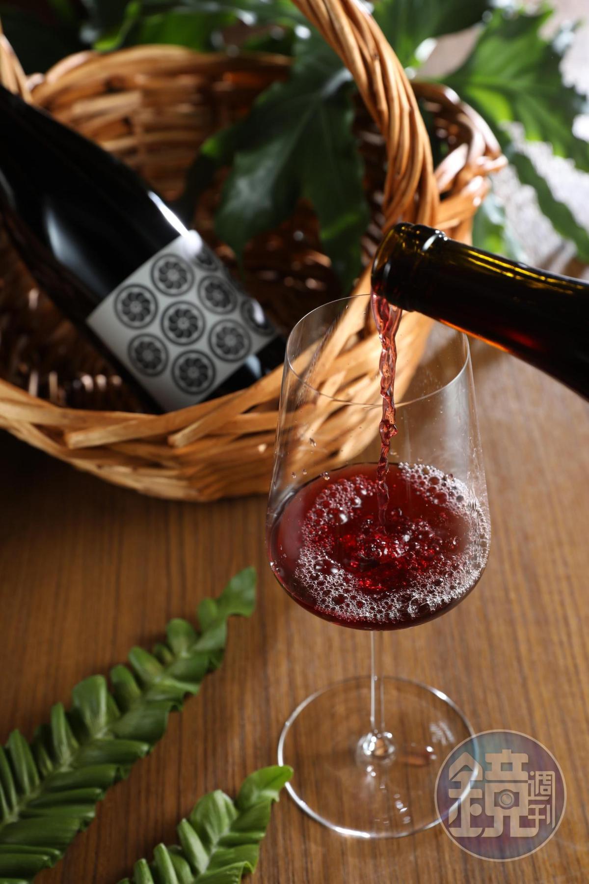 少干擾葡萄酒「Olivier Cohen, Cuvée Ronds Noir,  2014-2015」,滑口,結構完整,容易搭餐。(是酒,1,000元/瓶)