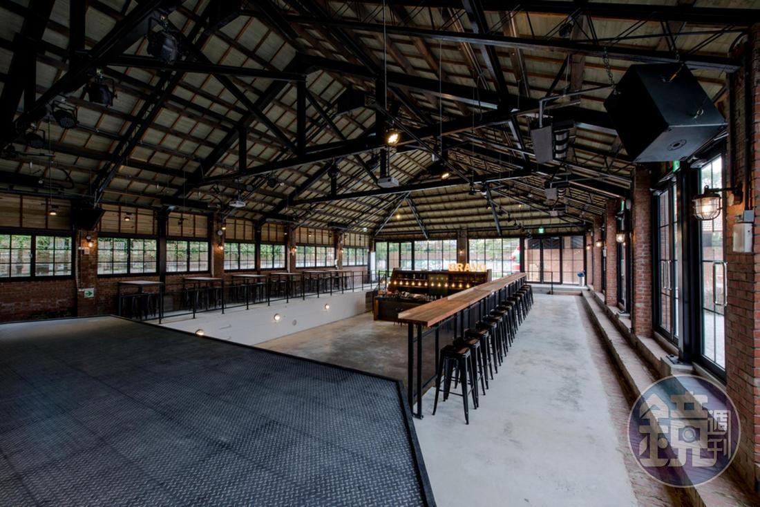 「喝 自然葡萄酒展Buvons Nature酒展」11月24日在在陽明山美軍俱樂部庭院舉行,是今年深秋的大型餐酒盛會。
