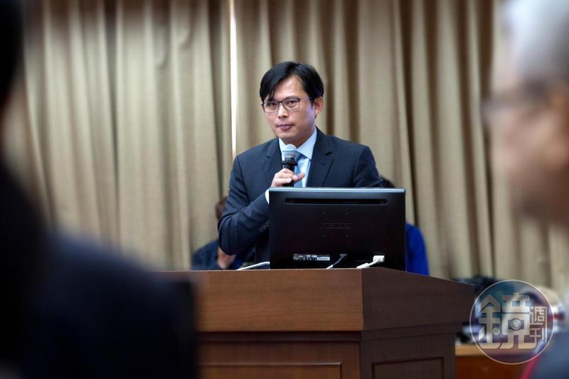 立委黃國昌批交通部長從普悠瑪事件發生至今,仍然搞不清楚問題所在。