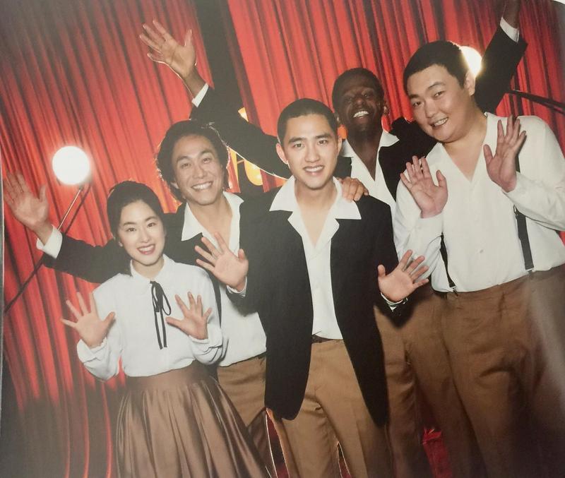 由都敬秀(中)主演的韓國首部歌舞片《搖擺男孩》(Swing Kids),將於聖誕節檔期在韓國上映。(NEW提供)
