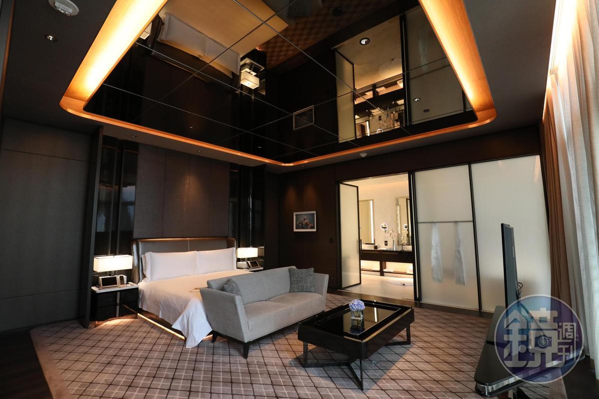 別墅裡的睡房,一樣很有型。
