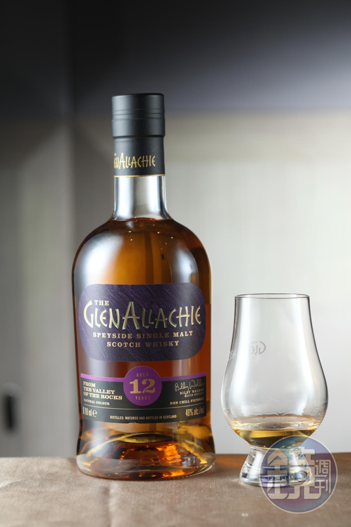 旗艦酒款的「艾樂奇12年單一純麥威士忌」,品飲時能聞到淡淡的葡萄乾與摩卡咖啡風味。(1,680元/瓶)