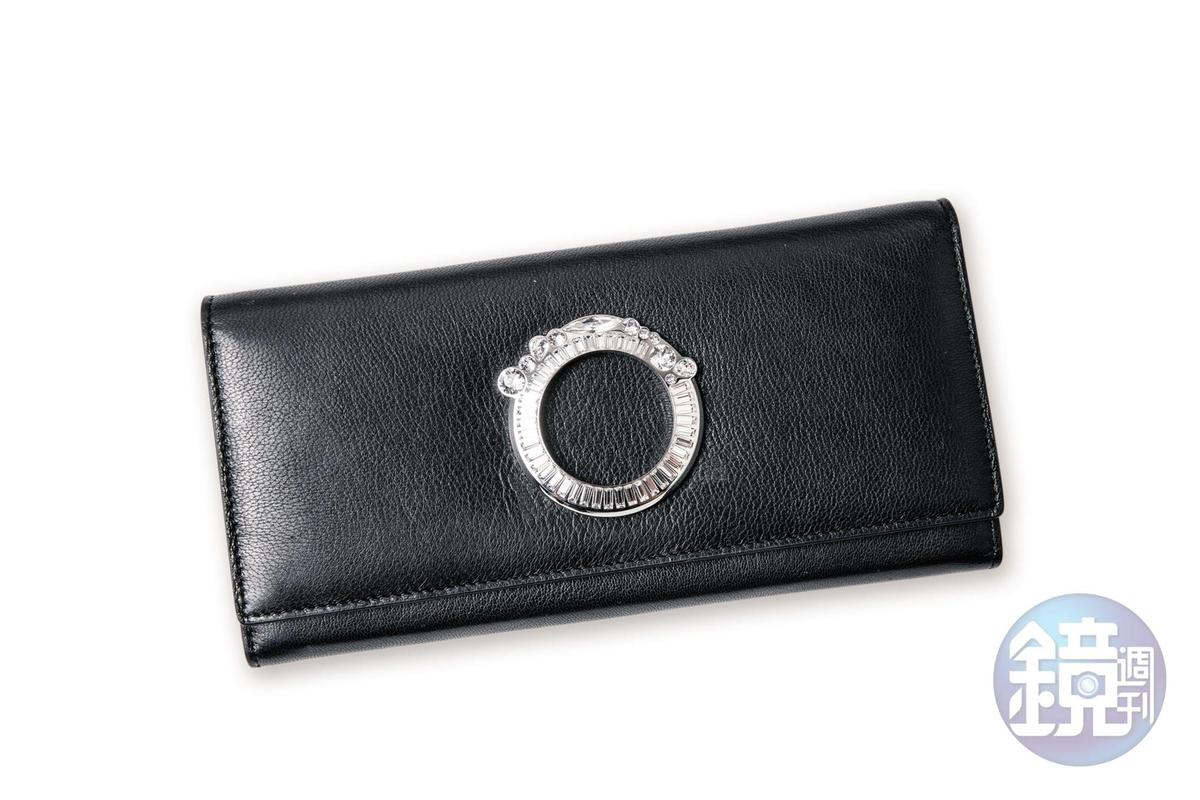 Galtiscopio小羊皮水晶裝飾長夾,NT$11,200。