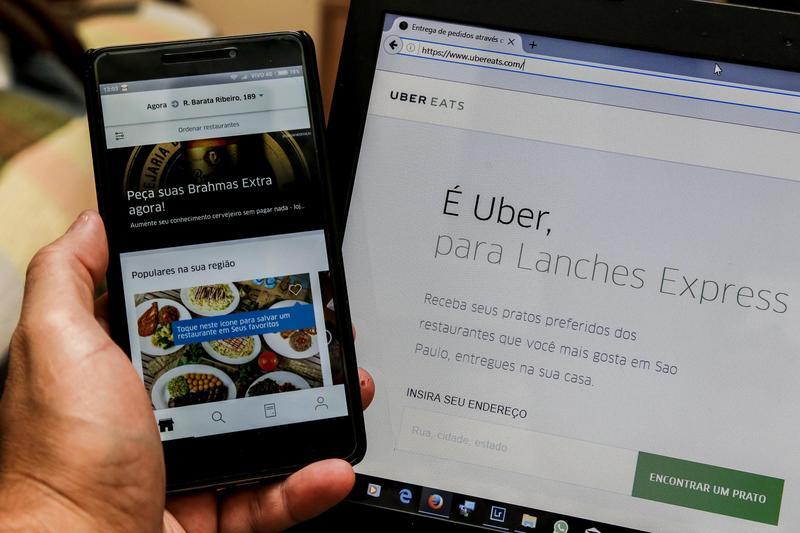 UberEats在巴西里約提供餐點外送服務。(東方IC)
