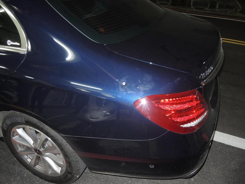林姓副總駕駛的車輛被開2槍。(翻攝畫面)
