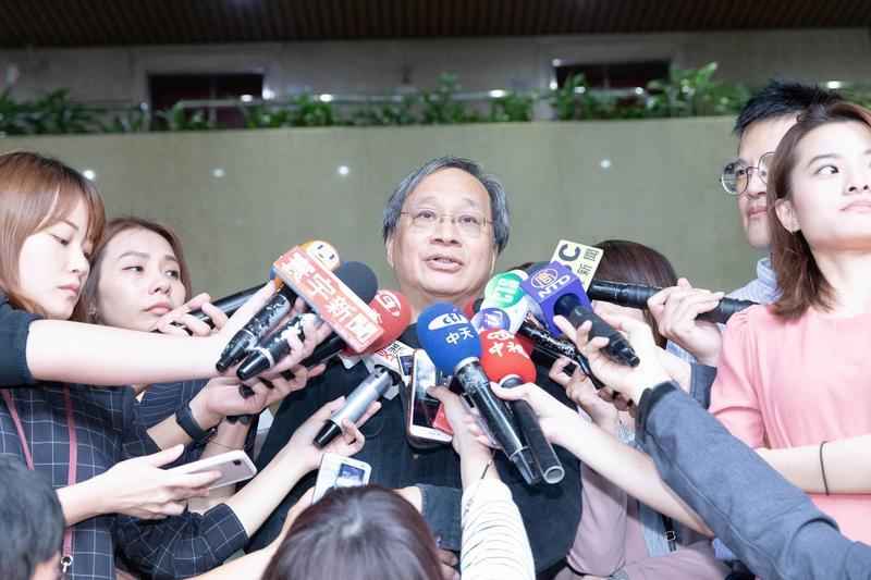 台北市長柯文哲競選辦公室總幹事小野現身在「我是挺其邁的」影片,表態推薦陳其邁。(柯文哲競選辦公室提供)