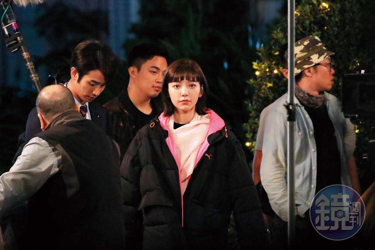 20:01,有可能在醞釀吵架情緒,拍攝期間郭雪芙、劉以豪完全零互動,女生臉看起來也很臭。