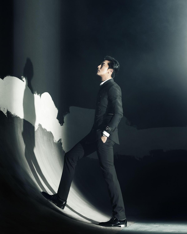 邱澤是這次影帝之爭唯一的台灣代表,《誰先愛上他的》有深情有耍痞,丟 掉偶像包袱的他演出令人眼前一亮。(金馬執委會提供)