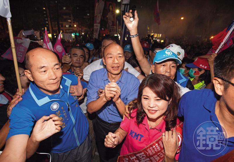 看中韓國瑜的高人氣,藍營各縣市候選人趨之若鶩找他輔選站台。