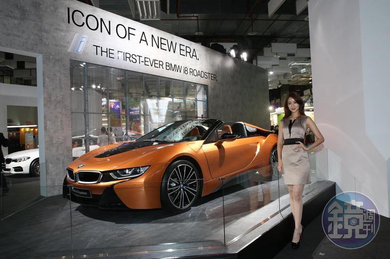 鴻海董事長郭台銘希望從車載面板的生意出發,幫鴻海集團拿到BMW、特斯拉以及通用汽車等更多車廠的汽車電子業務訂單。