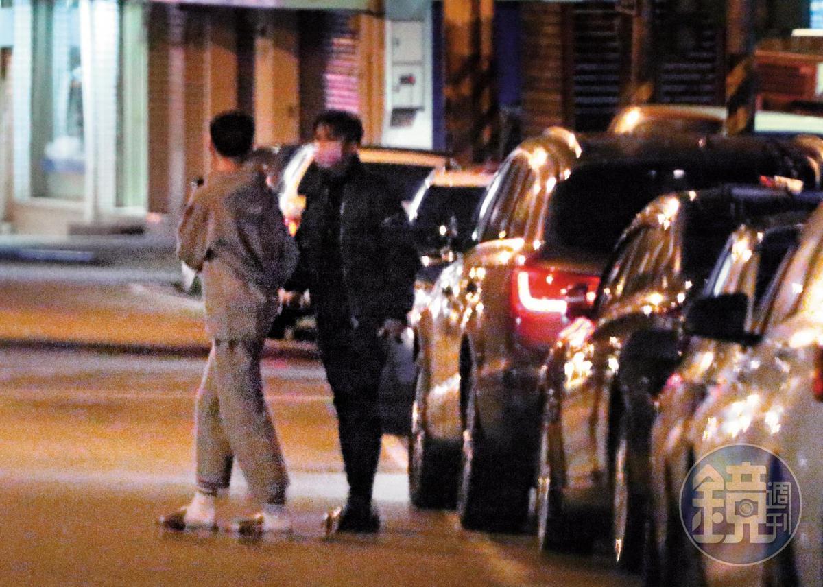 去年2月本刊拍到炎亞綸和嫩男一前一後進入天母的精品旅館,炎亞綸稱是和朋友開趴。