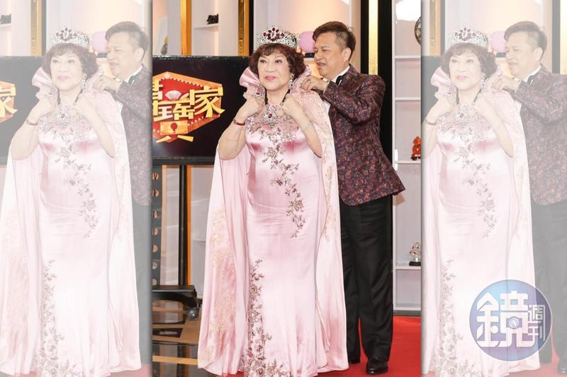 周遊與老公李朝永甜蜜上節目。