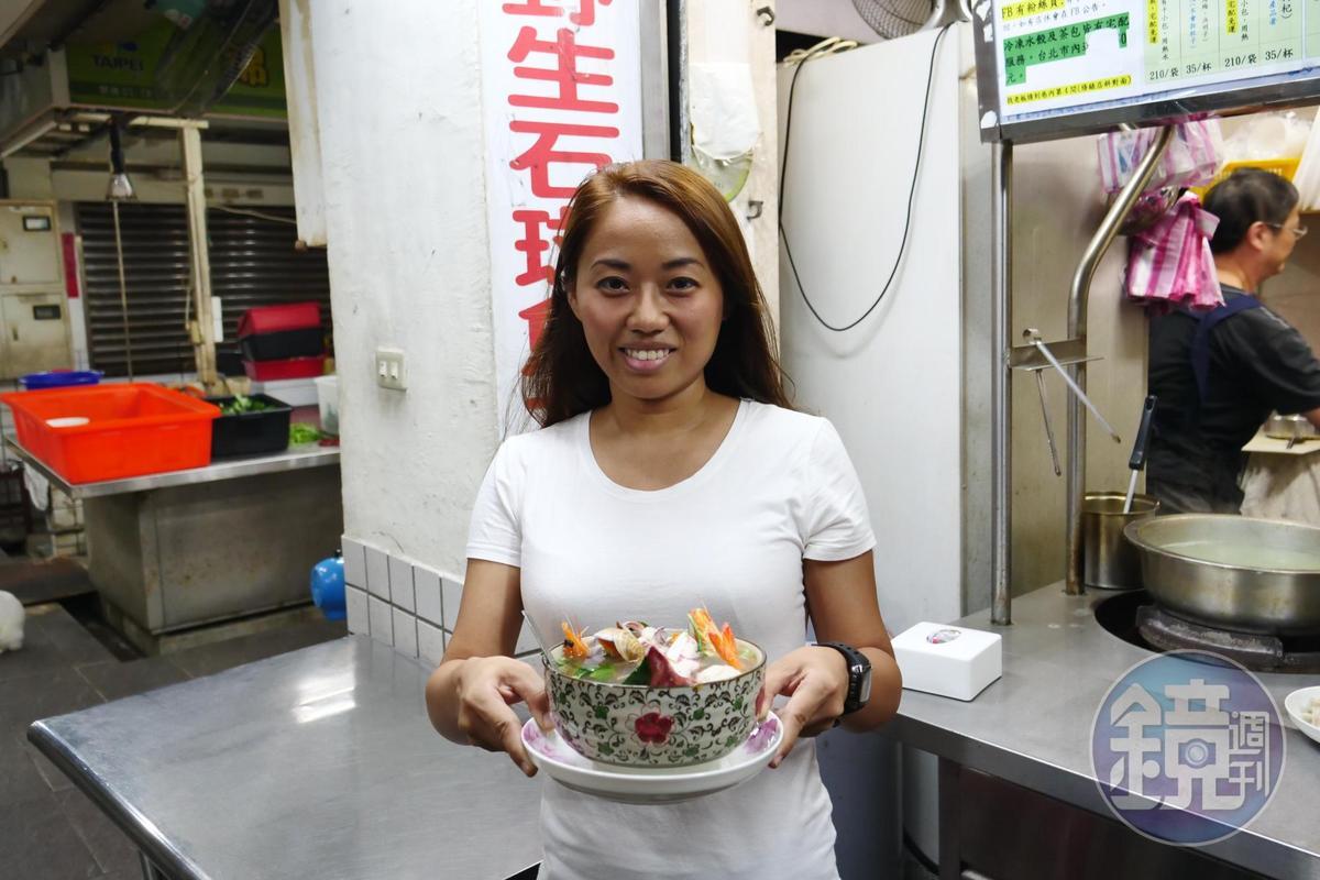 常客劉小姐大推料多實在的「海產麵」。