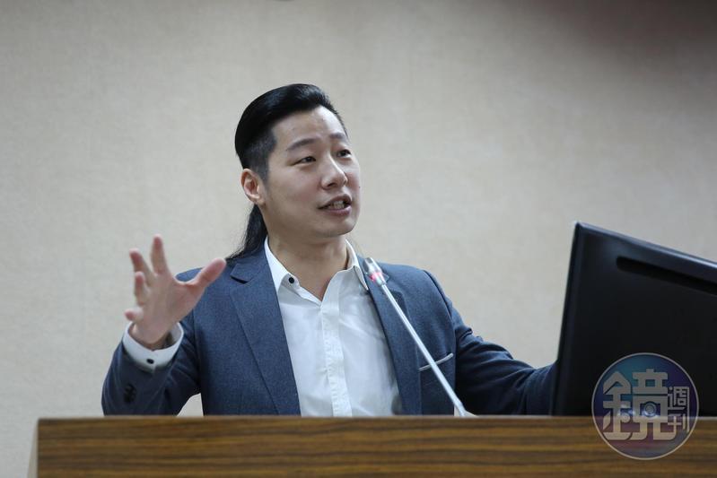 時代力量立委林昶佐(圖)批評韓國瑜過去擔任國民黨立委時,質詢發言率極低。