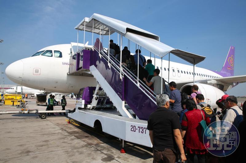 泰國政府祭出21國落地簽免費待遇,台灣也名列其中,現省2,000元讓不少國人動了赴泰觀光的念頭。