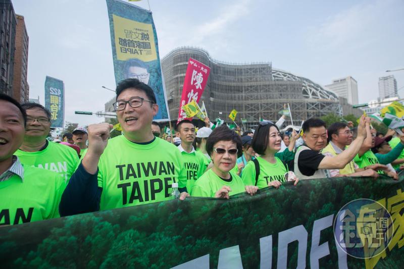 童仲彥在臉書po文,談到能夠拯救綠營選情的「只有一個人」,網友猜測這號人物應該是台北市長候選人姚文智。