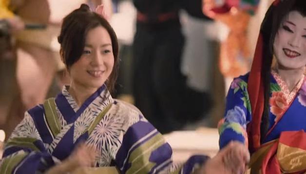 葉山柚子模樣清秀可愛,2016年在咖啡店打工被直播平台團隊挖掘成為網紅。(翻攝自葉山柚子臉書)