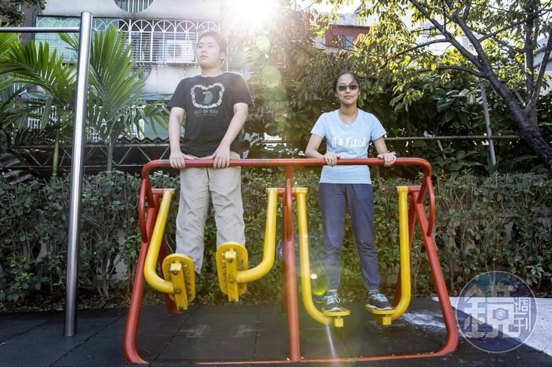 游高晏(左)和妹妹游苡琛(右)感情超級好,妹妹甚至為了和哥哥高中同校,努力考取明星高中。