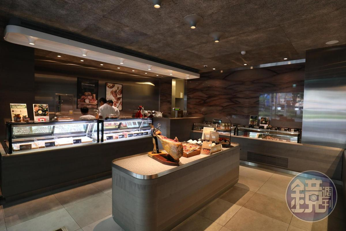 「RÒU by T-HAM」1樓為時髦肉鋪,不僅種類齊全,也貼心提供客製化分切服務。