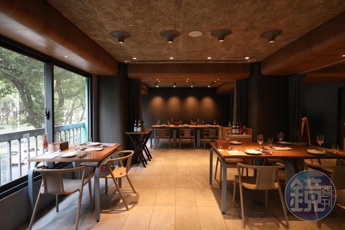 2樓餐廳提供以「肉」為主題的各式料理,不定期推出講座,推廣各國肉品知識。