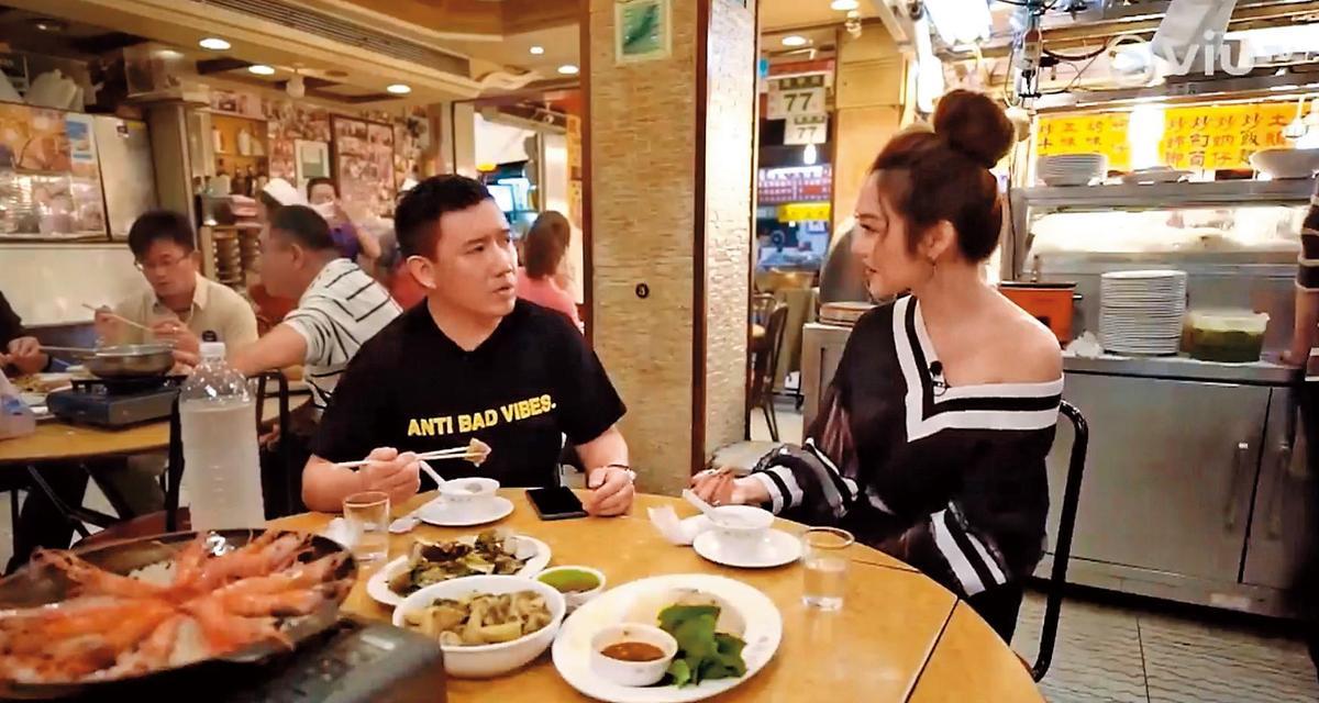 杜汶澤(左)的美食節目《走佬去臺灣》在香港迴響熱烈,曾莞婷(右)還上過節目推薦台灣美食。(翻攝自VIUTV)