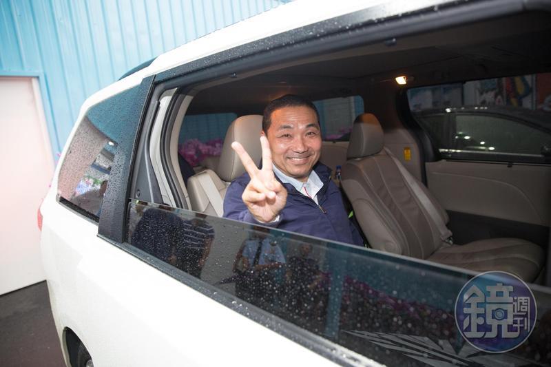新北市長候選人昨(12日)舉行政見發表會,網紅陳沂酸侯友宜不讀書,連罵人也罵不好。