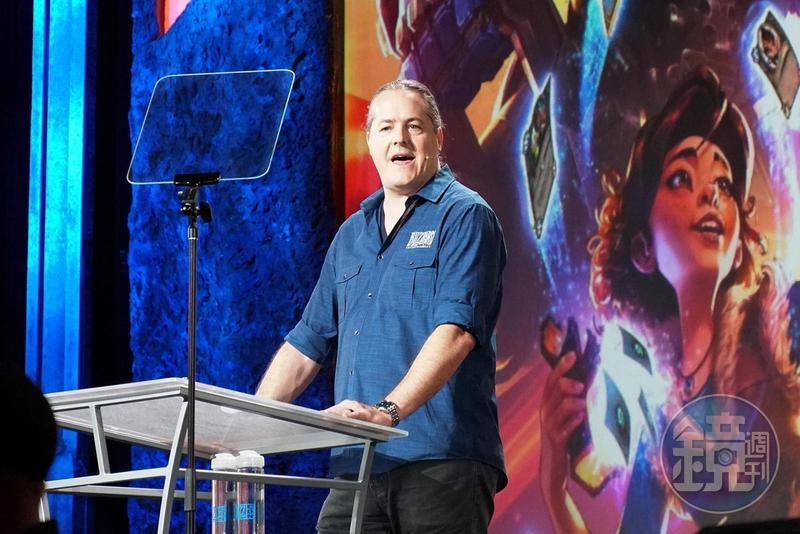 暴雪新任總裁巴拉克(J. Allen Brack)。這是他首度以總裁身份參與暴雪嘉年華,但隨即面臨玩家對《暗黑破壞神》新作的大力抨擊。
