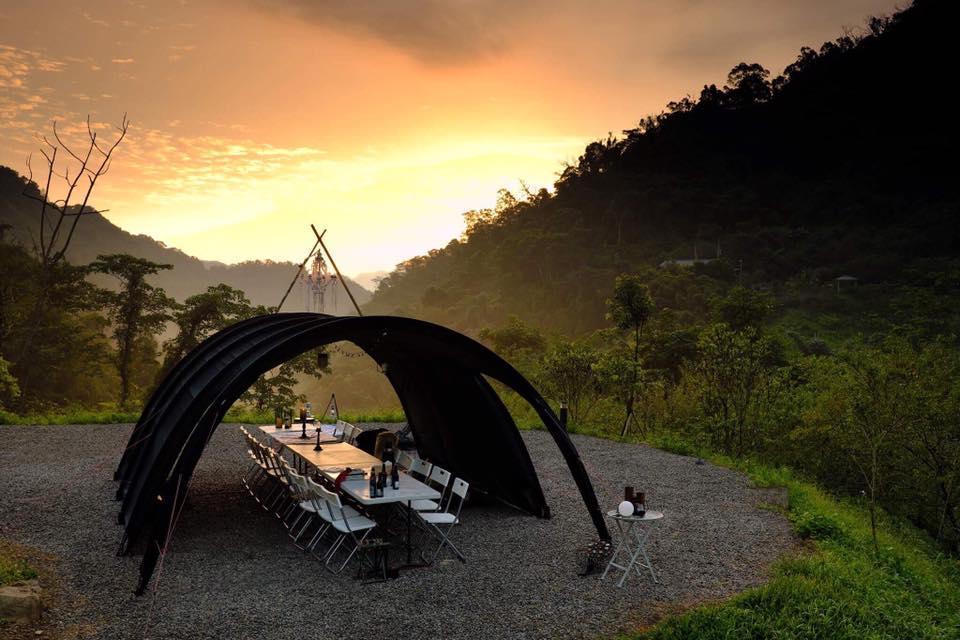 雷沙達岜斯露營區位於尖石鄉,有雲霧部落的美稱。(圖/黃一峯提供)。