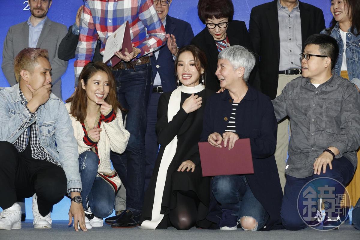 林心如(前排左2)首度以電影監製身分參加創投,舒淇(前排左3)則是首度當創投評審,兩人都將第一次獻給金馬。