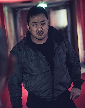 韓國影評紛紛讚賞馬東石在《非賣品》的表現將成為他的代表作。(車庫娛樂提供)